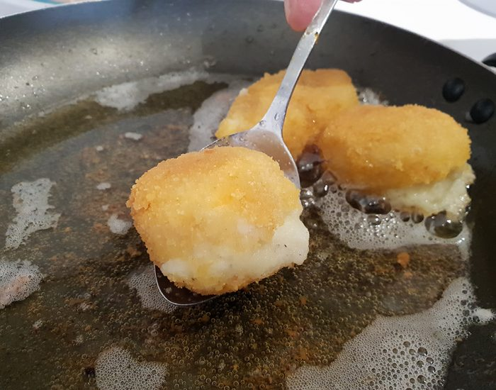 כדורי פירה לארוחת הצהריים