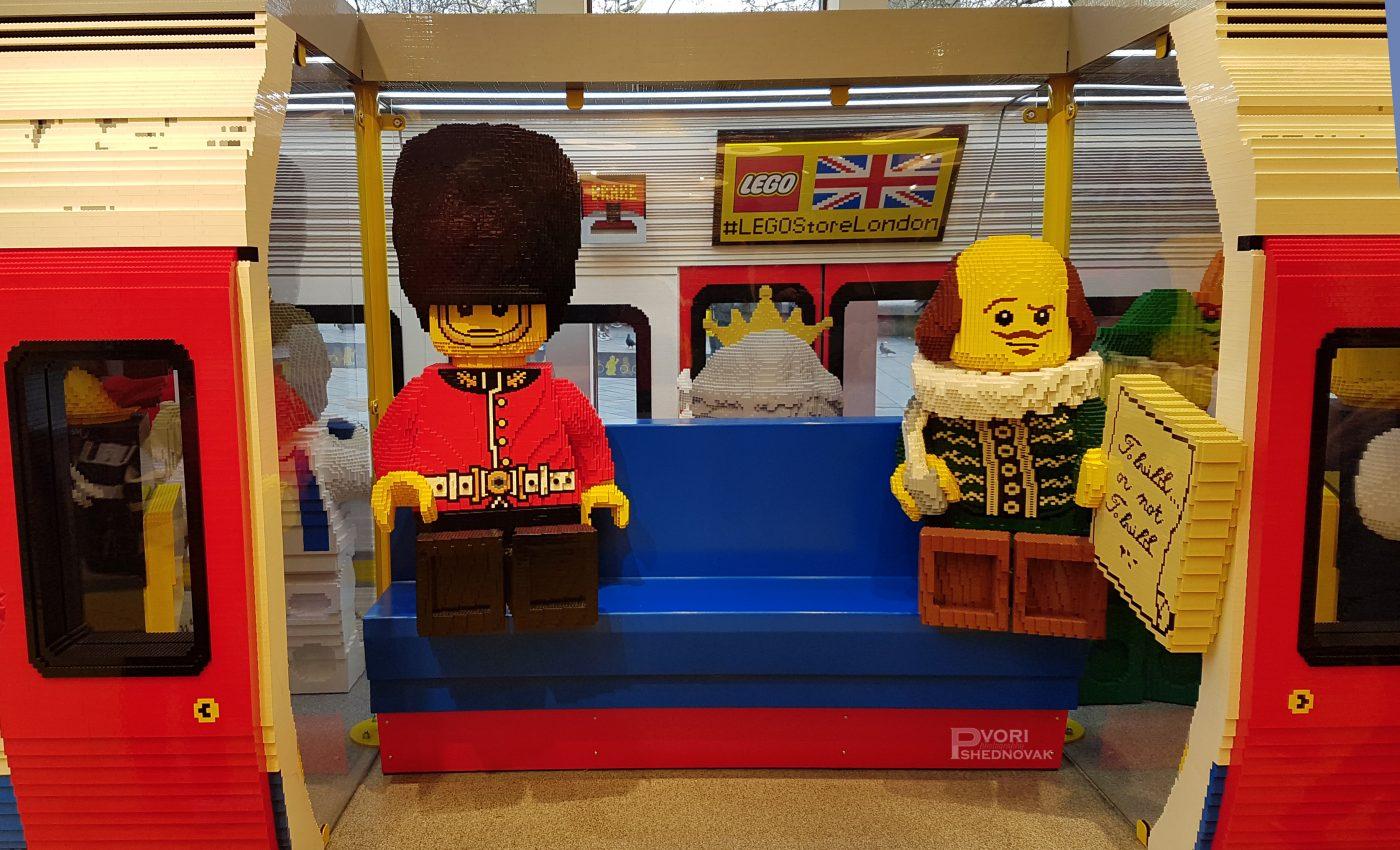 חייל אנגלי ברכבת תחתית עשויים מלגו