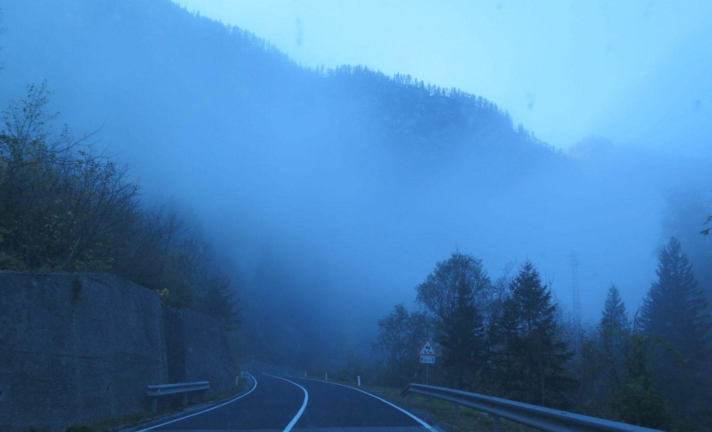 הדרך לאגם בוהיני בתוך ענן
