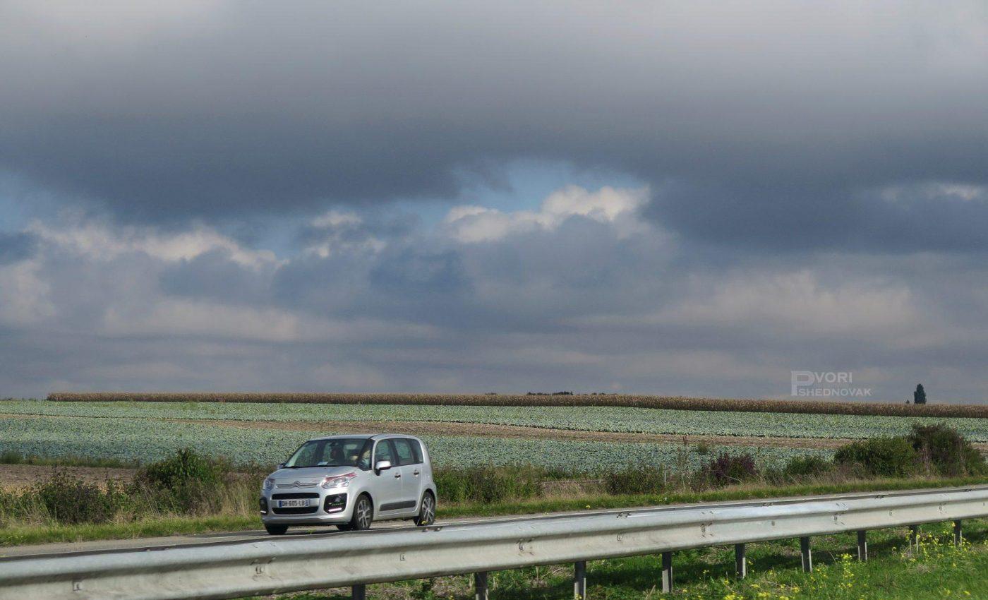 בדרך לשטרסבורג עם הנוף האהוב-שמים