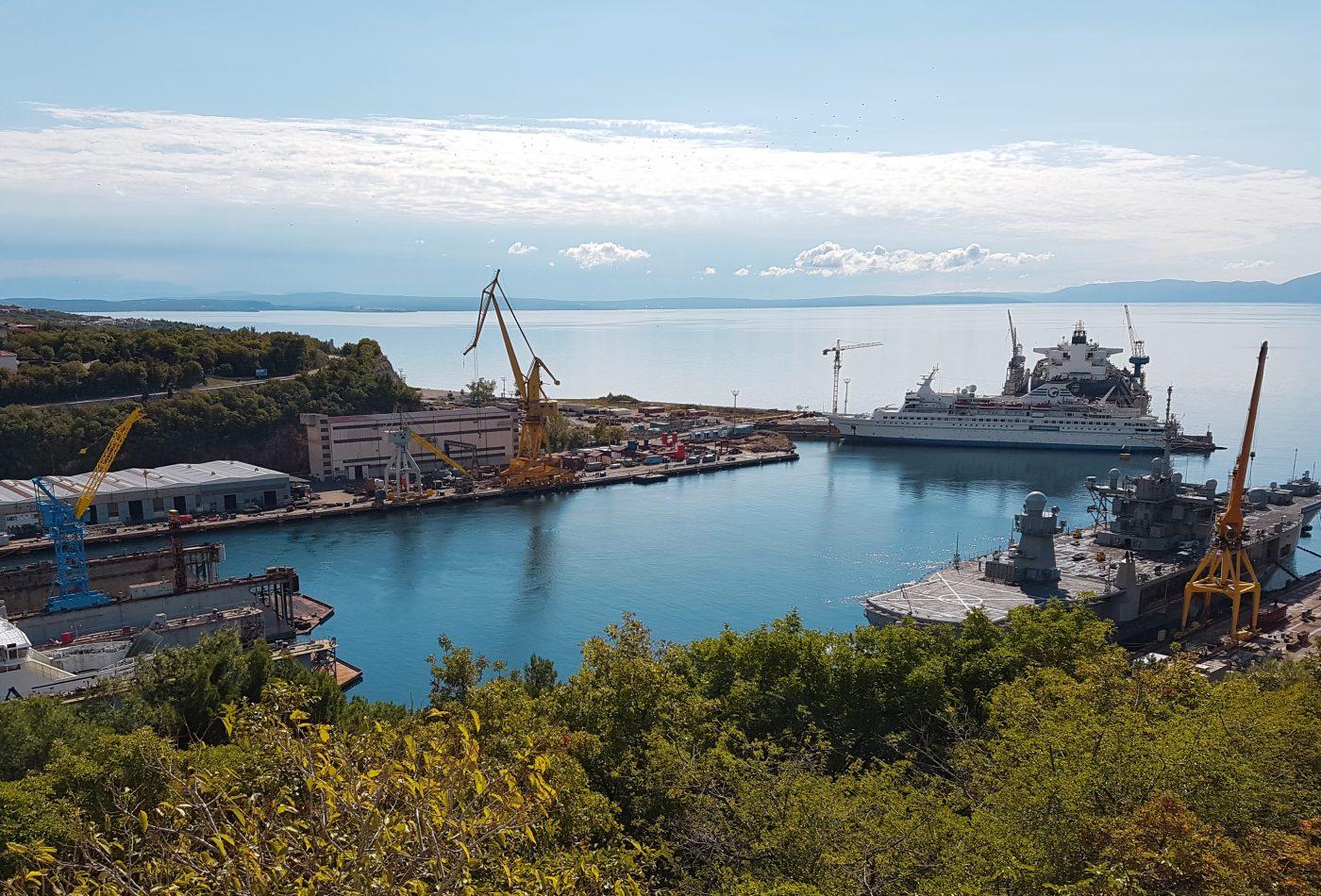 תצפית לנמל רייקה ומזג אויר חמים ונעים