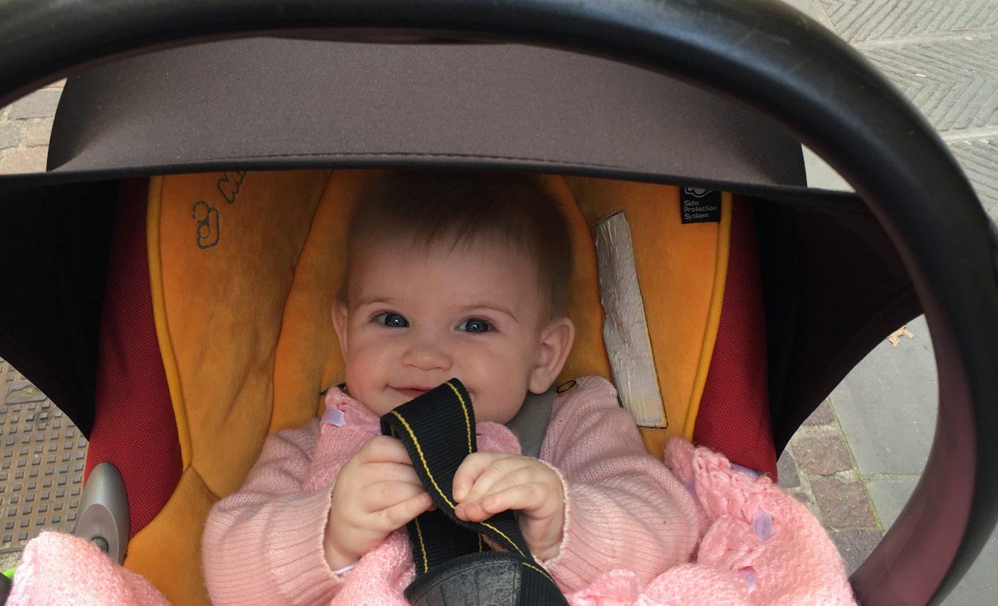 התינוקת המרגשת