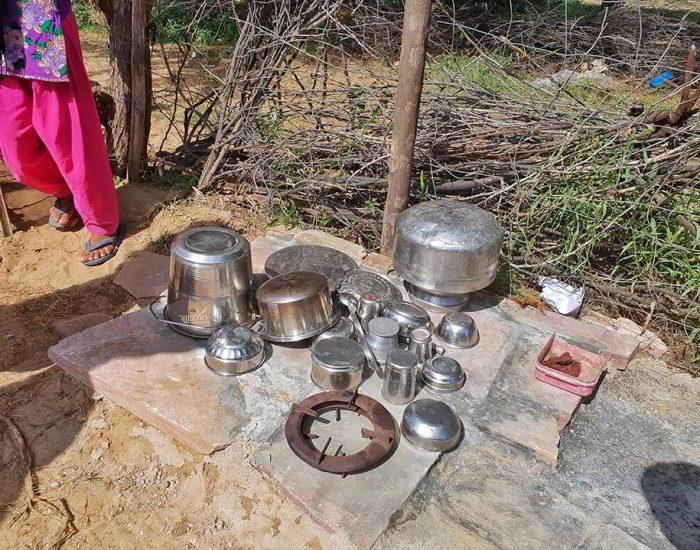מטבח בחצר ליד בור המים