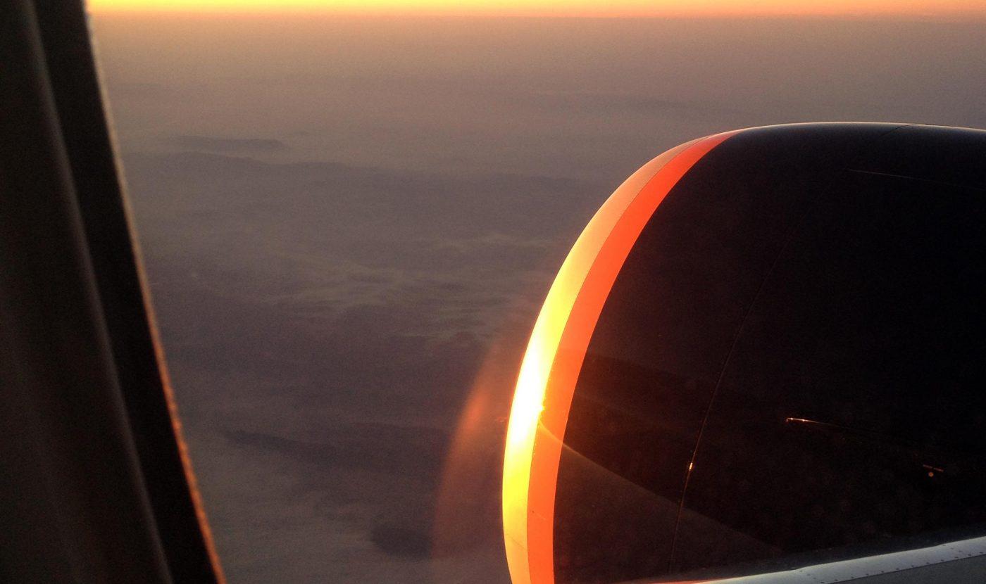 שעות ארוכות של טיסה-זריחה