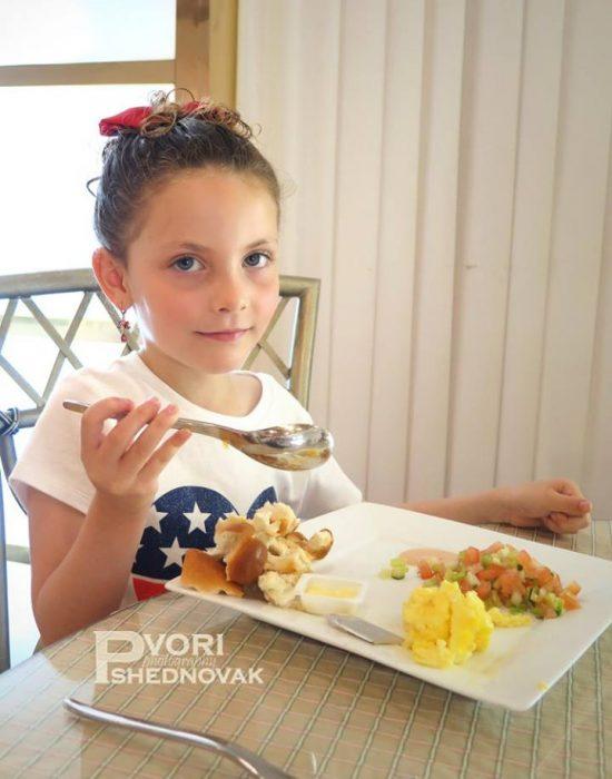 ארוחת בוקר ישראלית בניו יורק