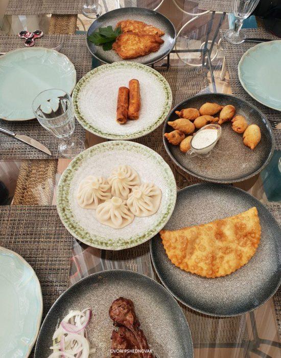 אוכל מקומי במסעדת ירושלים