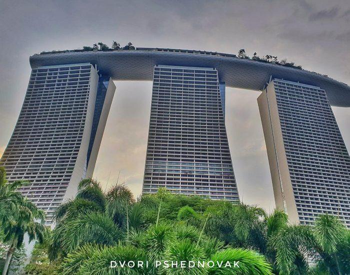 המלון מכיוון הגנים