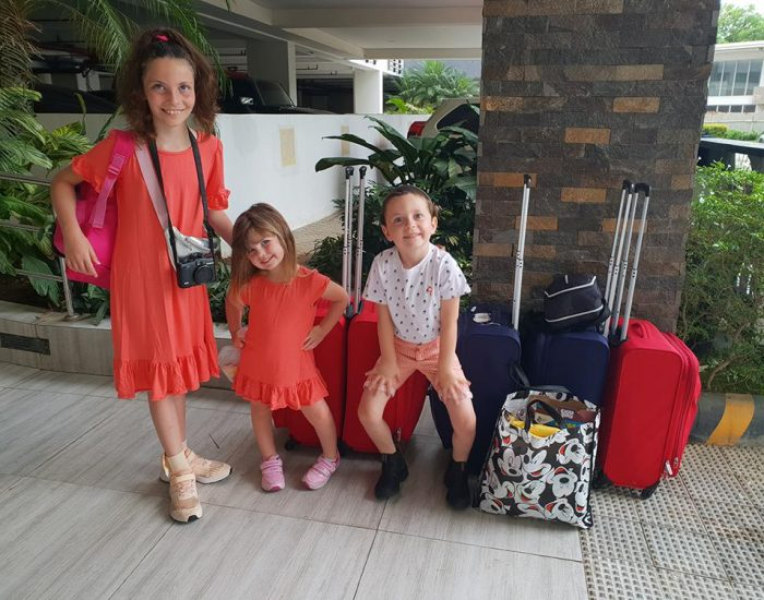 7 בבוקר יוצאים לשדה התעופה