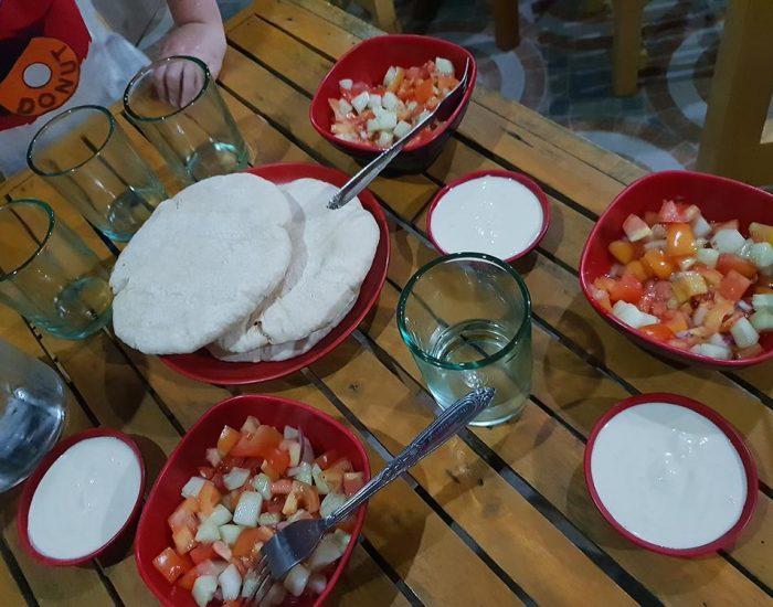 ארוחת ערב בבית חב''ד