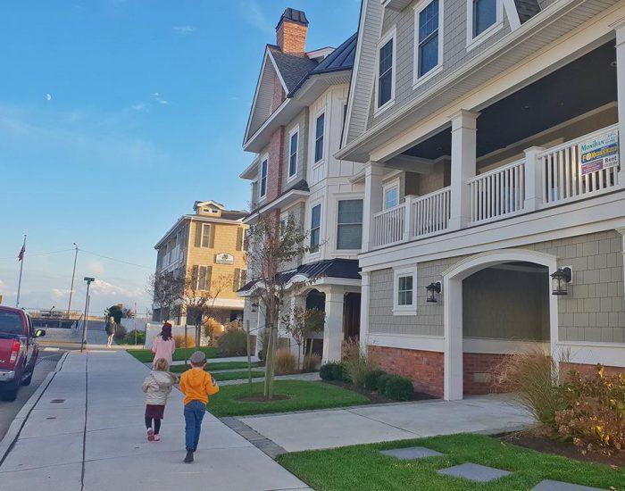 הרחוב שלנו והבתים היפים