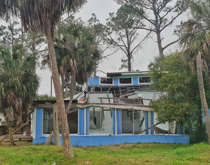 בתים הרוסים בפלורידה מזכרת מההוריקן