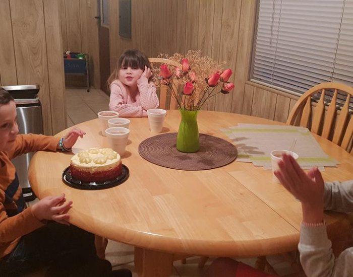 חגיגות יומהולדת 6 ליהונתן כשמגיעים לבית ליד פלאגסטאף