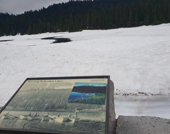 האגם כמו שאמור להיראות בקיץ (בתמונה הקטנה)