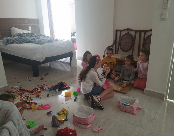 כשהבנות של קפלין באו לבקר אצלינו