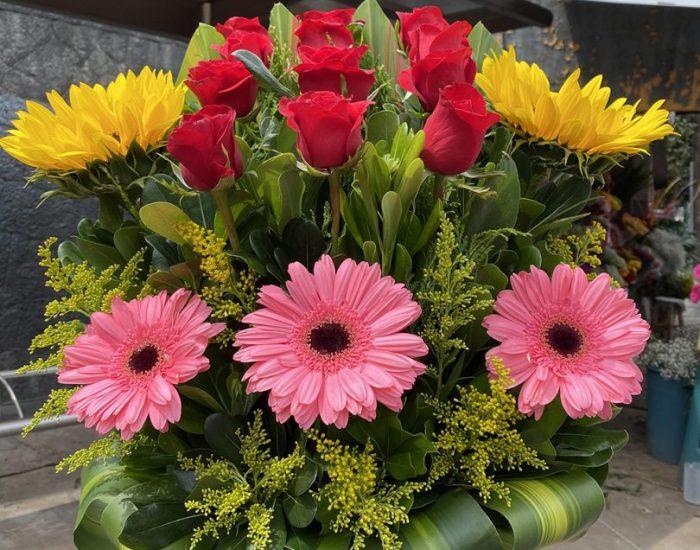 זר פרחים לשבת שניה אצל משפחת קמפה