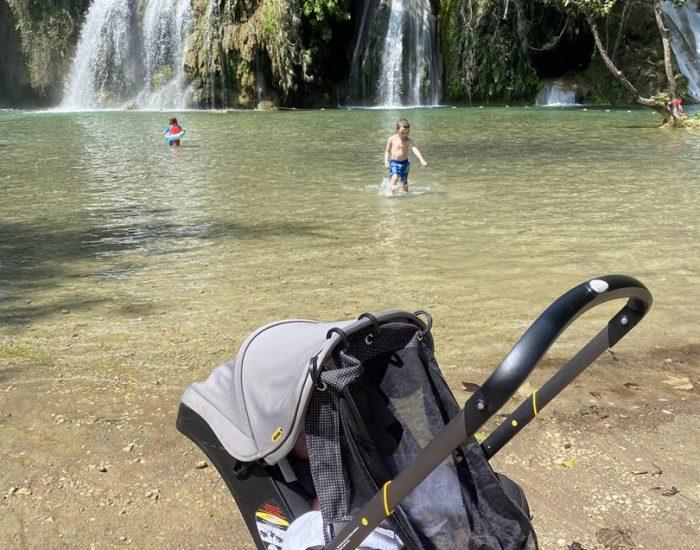 טיול עם תינוקת- צלון למנוחת צהריים ונגד יתושים
