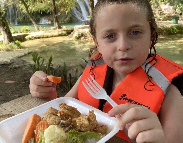 ארוחת צהריים בטבע