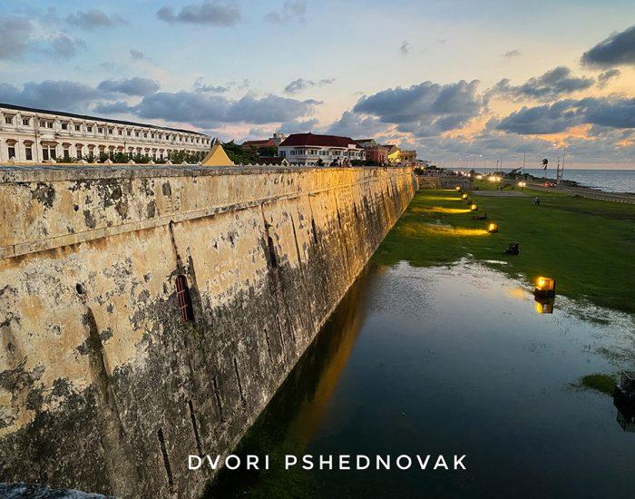 טיול שקיעה על חומות העיר העתיקה קרטחנה