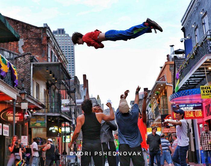 הופעות רחוב ברובע הצרפתי בניו אורלינס